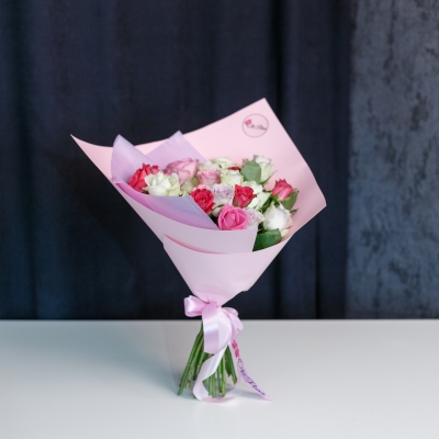 25 Trandafiri Mix Roz 30-40 cm