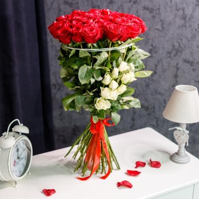 Buchet Eleganță Roșu