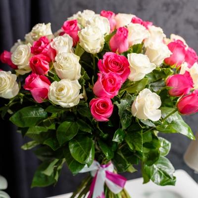 Trandafiri Alb-Roz