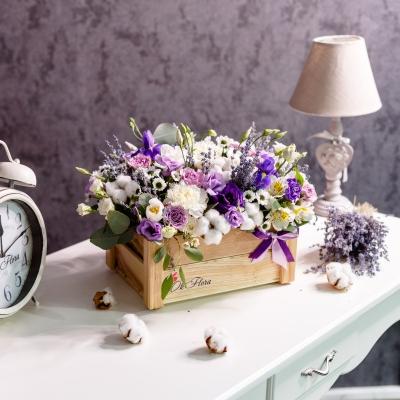 Lădiță Cafenie cu Flori Mixte
