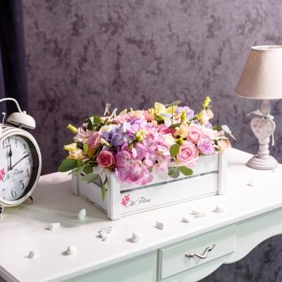 Lădiță Albă cu Flori Mixte