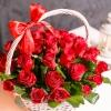 51 Trandafiri Roșii în coș