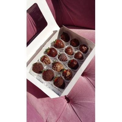 Căpșuni glazurate în ciocolată belgiană Callebaut