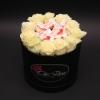 Set Cutie cu Trandafiri albi și Raffaello