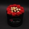 Cutie cu Trandafiri Roșii și Ferrero Rocher