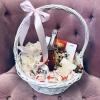 Coș cu Martini, Orhidei, Ciocolate și Lumânare Parfumată