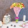 Buchet din 15 alstromerii în plasă roz