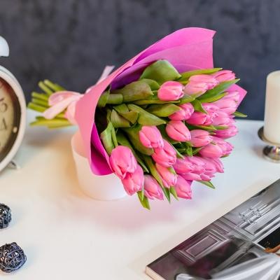 Buchet special Nr 12 din 25 lalele roz