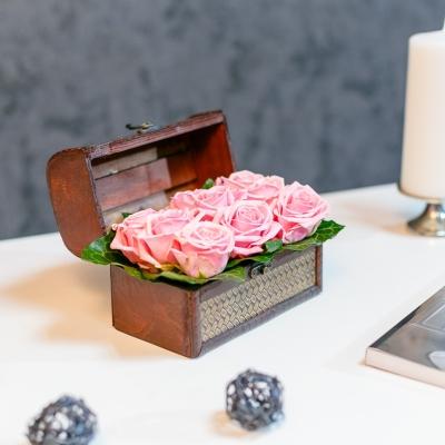 Mini Lădiță cu Trandafiri Roz