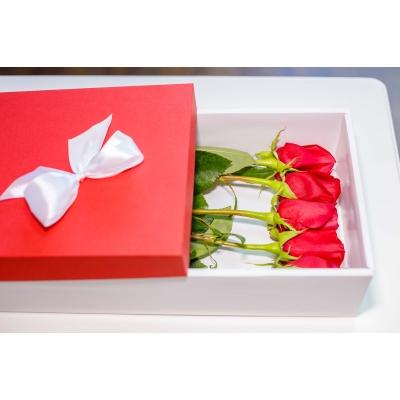 Trandafiri Roșii în Cutie (5 buc)