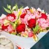 Buchet mixt - trandafiri cu alstromeria